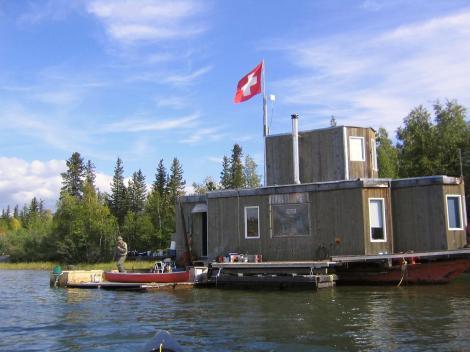 4 HouseboatwithSwissFlag2004 - Copy