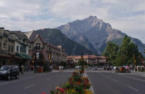 Banff_Avenue2012